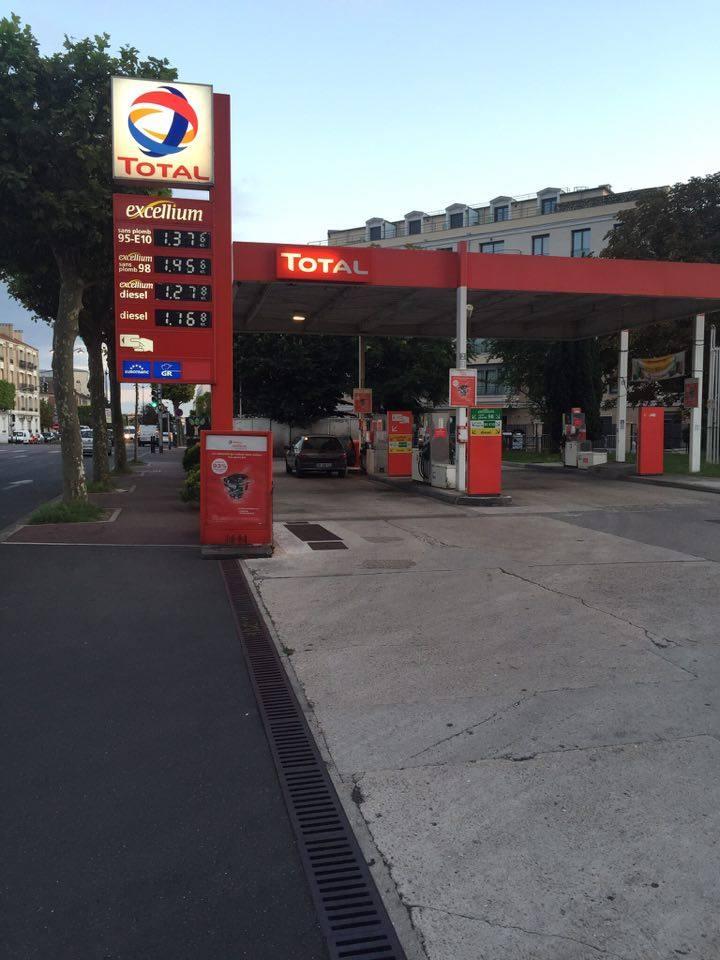 Заправочные станции продают пропан в баллонах за границей