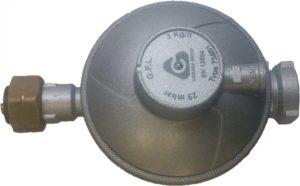 Бытовой пропановый редуктор с маркировкой давления и расхода