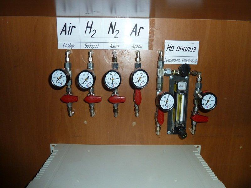 Манометры используются для контроля примесей в газе