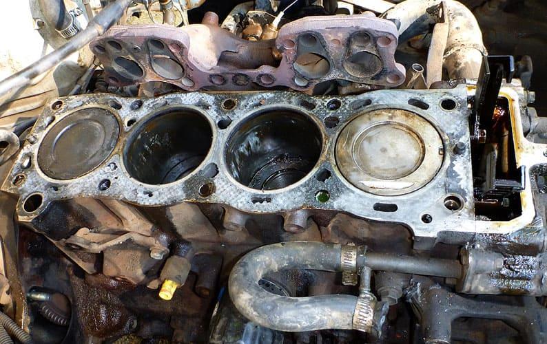 кавитационная коррозия деталей двигателя