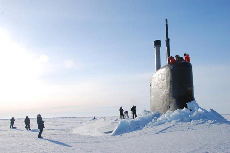 подводная лодка в арктике